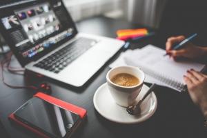Wohlbefinden am Schreibtisch